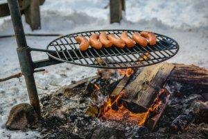 Lagerfeuer mit Wurst